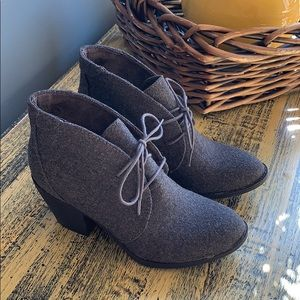 New: Blowfish Grey Flannel Booties, Size 6.5